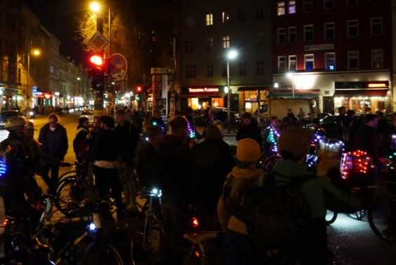 Night Ride Berlin, Bicycling meetup, Fahrradtour, wearable technology arduino
