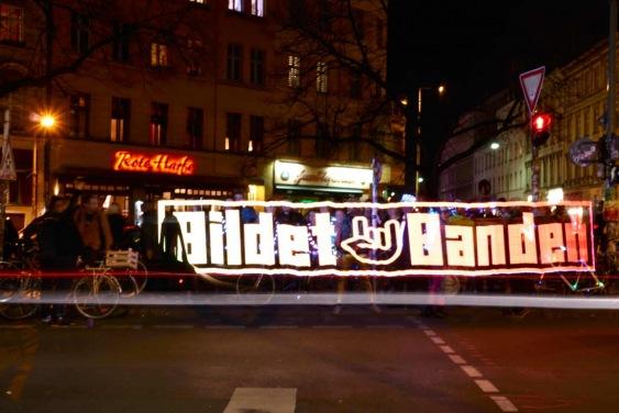 Night Ride Trafo Stick Pixel Painting Bildet Banden