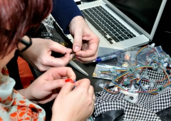 LED Jacket workshop Fab Lab Berlin sewing