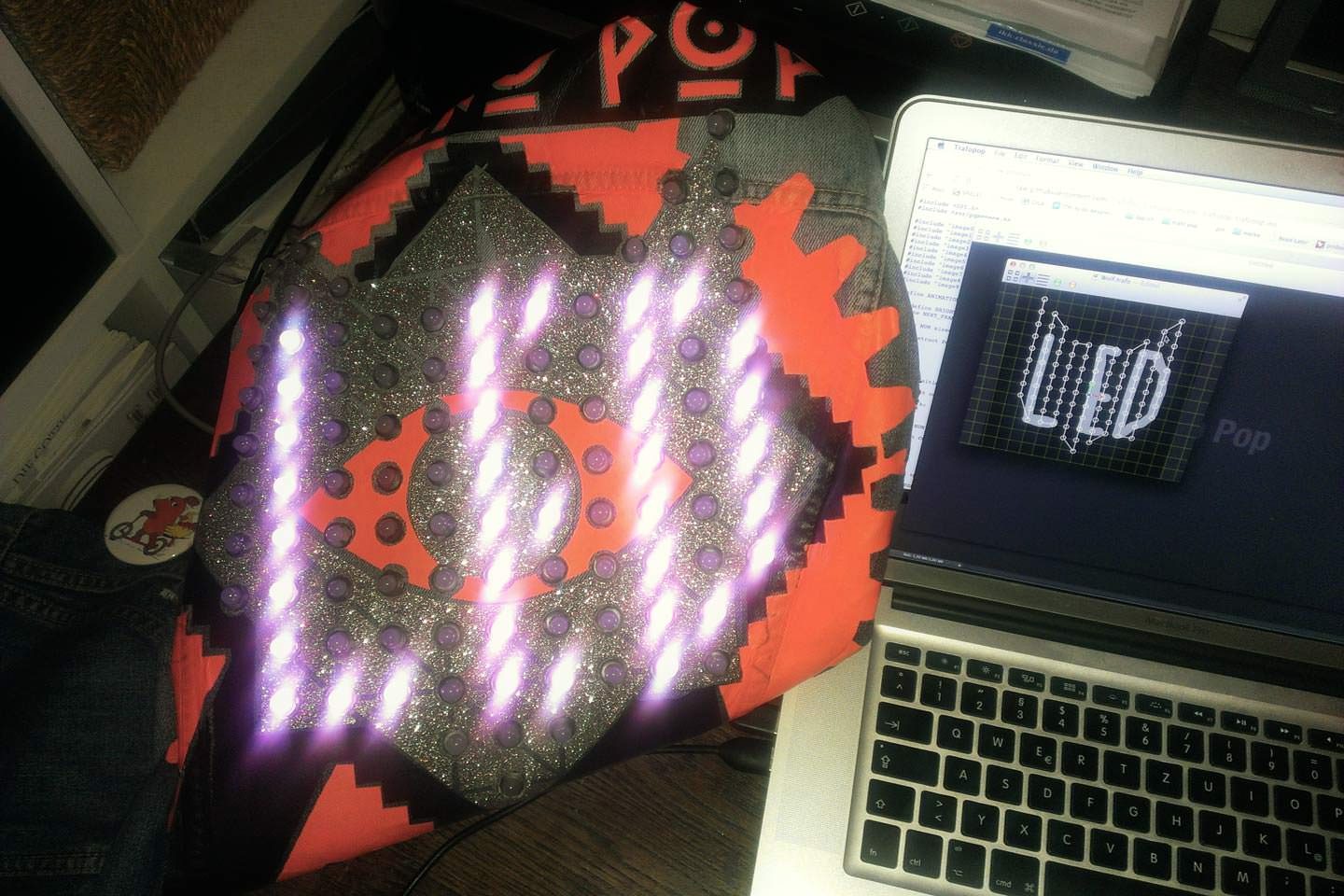 Our new mac os x software  app let´s you configure your LED jacket